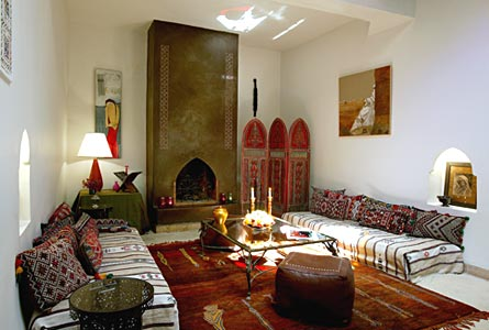 Original-morrocan-design-with-bench-bed-and-stool