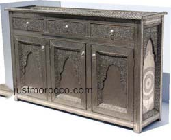 Magussa silver cabinet