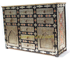 Harem bedroom cabinet