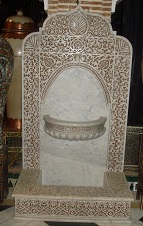 Marble wall fountain